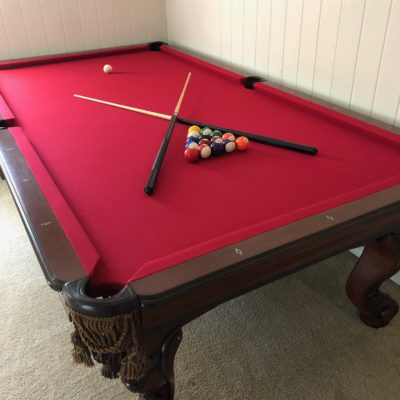 Pool Table: 9 foot Savona, Milano pockets, red felt