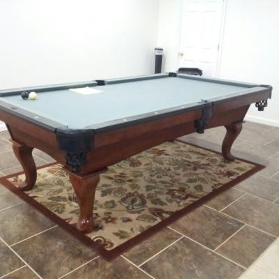 Beautiful 8 foot Steepleton pool table